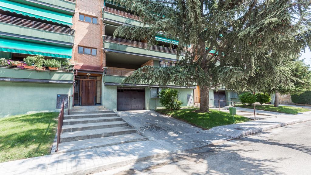 Venta de Excelente piso en urbanización de Collado Mediano - Gilmar
