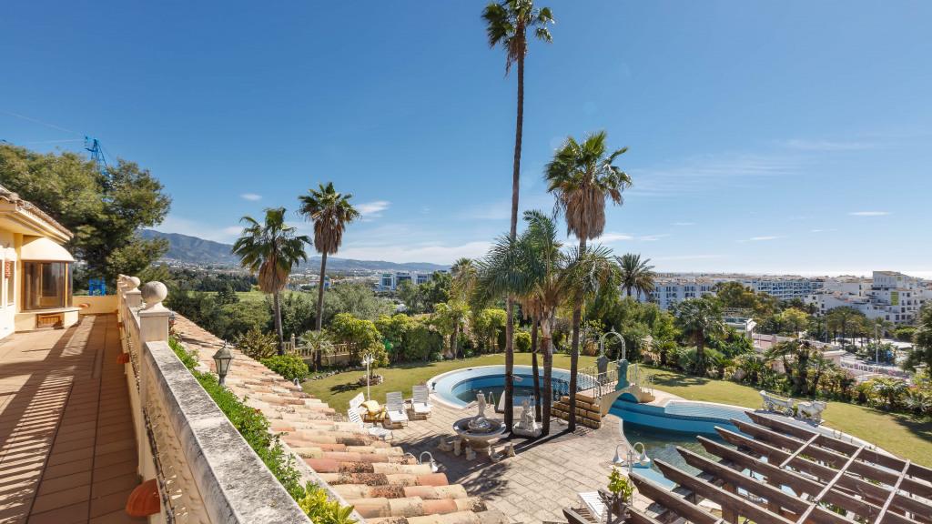 Spectacular 10-bedroom villa in Puerto Banús for sale - Gilmar