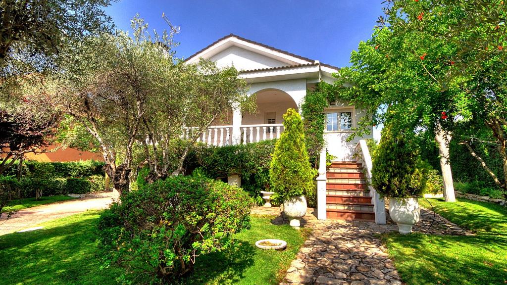 Villa house in Valdemorillo for sale - Gilmar