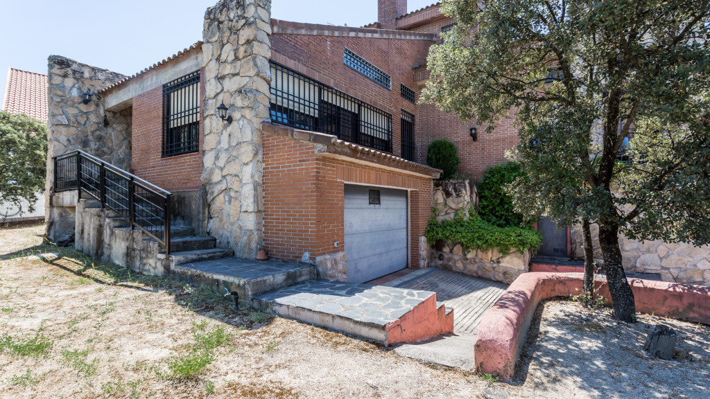 Villa house in Hoyo de Manzanares for sale - Gilmar