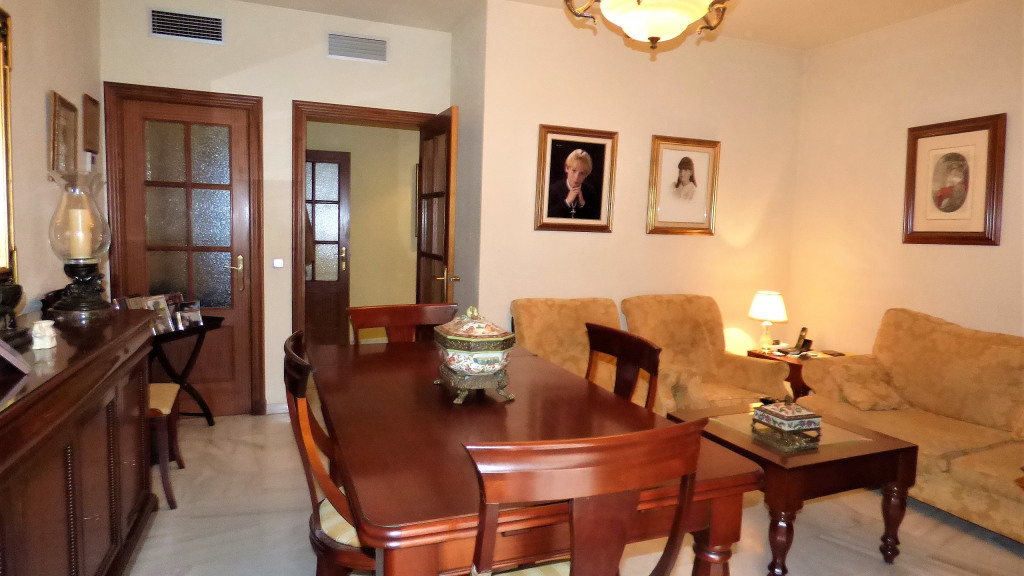 Venta de Estupendo piso en Triana - Gilmar