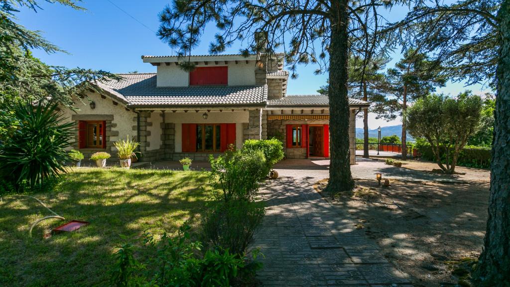 Villa house in Guadarrama for sale