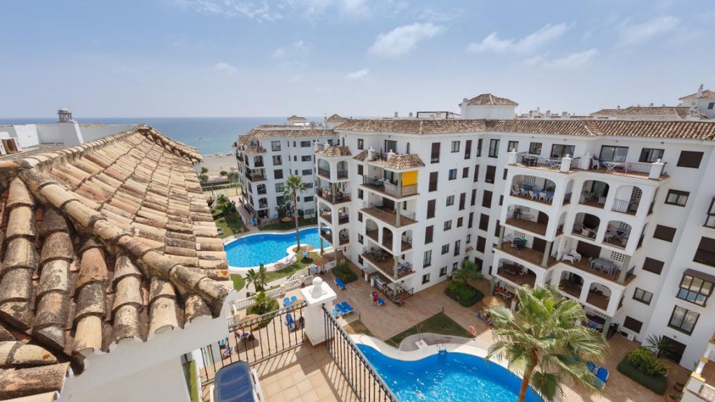 Penthouse for Sale at Duquesa Duquesa Castillo de la Duquesa, Andalucia 29692 Spain