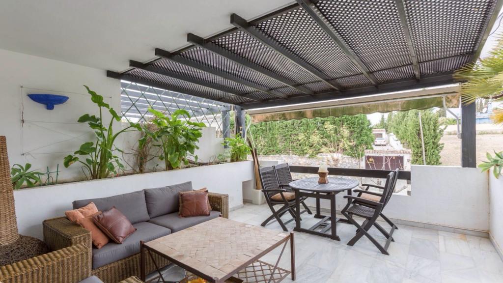 Apartment for Sale at El Paraíso El Paraíso Bel Air, Andalucia 29688 Spain