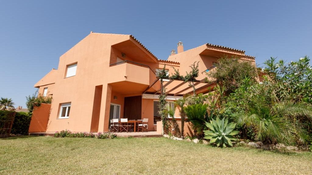 Single Family Home for Sale at Duquesa Duquesa Alcorrin, Malaga 29691 Spain