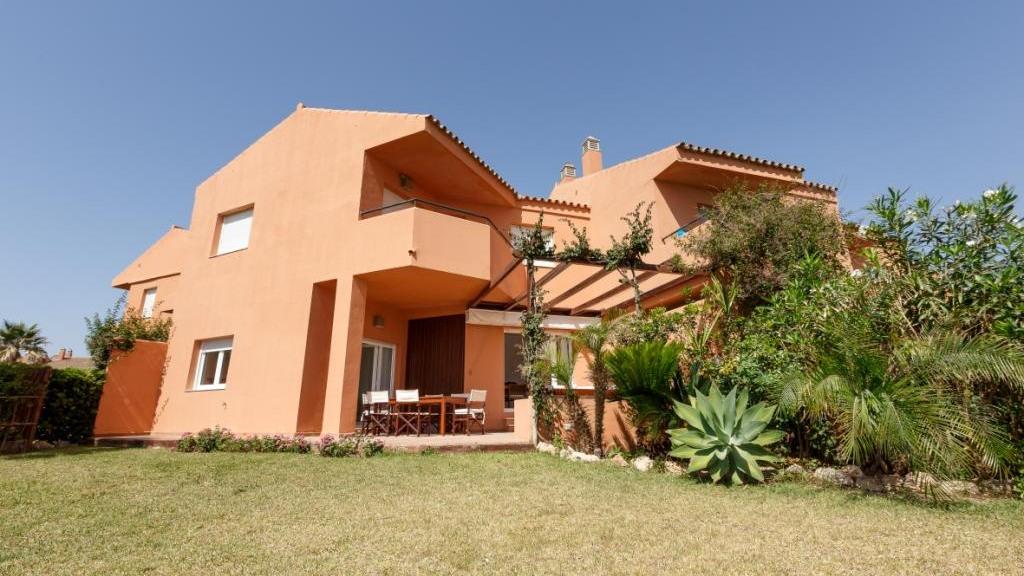 独户住宅 为 销售 在 Duquesa Duquesa Alcorrin, Malaga 29691 西班牙