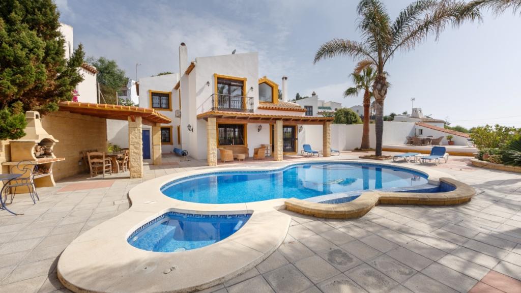 独户住宅 为 销售 在 Casares Playa Casares Playa Bahia de Casares, Malaga 29690 西班牙