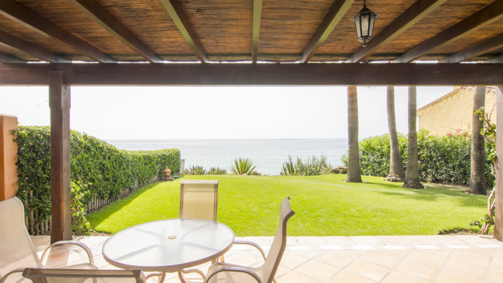 Single Family Home for Sale at Bahía Azul Bahía Azul La Gaspara, Malaga 29693 Spain