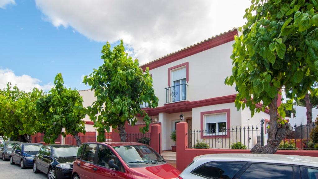 Single Family Home for Sale at Atalaya-Isdabe Atalaya-Isdabe Saladillo Benamara, Malaga 29688 Spain