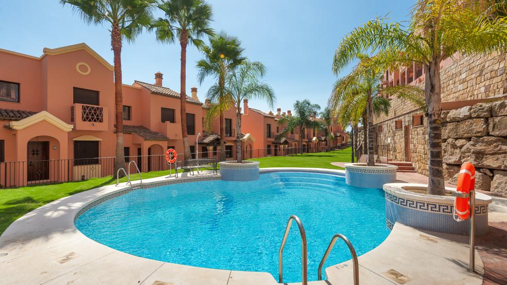 Casa Unifamiliar por un Venta en Estepona Golf Estepona Golf Bahia Dorada, Malaga 29693 España