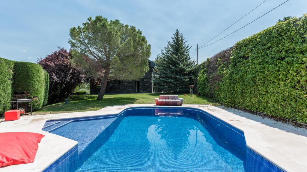 Casa Unifamiliar por un Venta en Navacerrada Navacerrada Collado Mediano, Madrid 28450 España