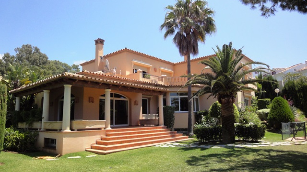 Single Family Home for Sale at Elviria Elviria Elviria, Malaga 29600 Spain