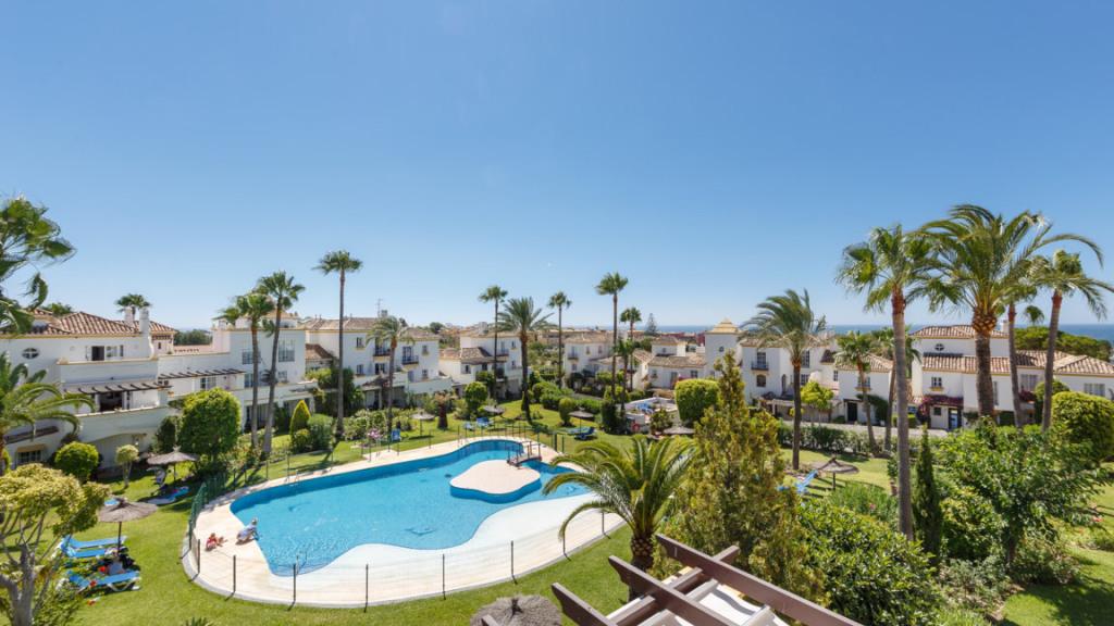 Apartamento por un Venta en Selwo Selwo Resinera Voladilla, Malaga 29689 España