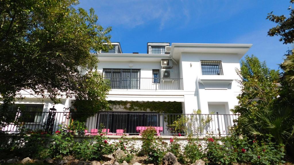 Casa Unifamiliar por un Venta en Fuente Del Fresno Fuente Del Fresno Fuente del Fresno, Madrid 28708 España