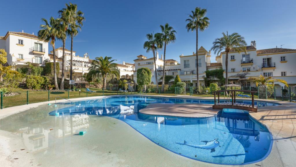 Casa Unifamiliar por un Venta en Selwo Selwo Resinera Voladilla, Malaga 29689 España