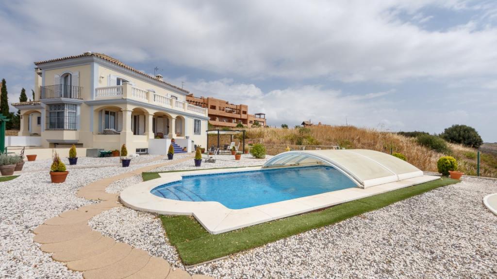 独户住宅 为 销售 在 Casares Casares Casares, 安达卢西亚 29690 西班牙