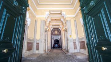 Oficina Exterior En El Barrio De Trafalgar - Gilmar