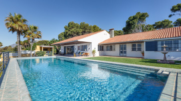 Frontline beach villa New Golden Mile,  Estepona - Gilmar