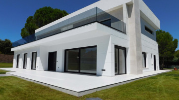 Independiente de nueva construcción en Ciudalcampo - Gilmar