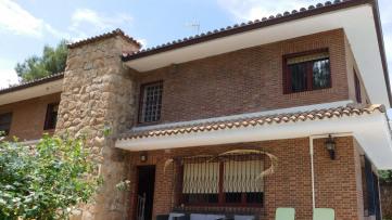 Chalet con muy buena ubicación en La Granjilla - Gilmar