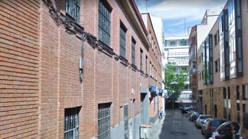 Edificio de dos plantas junto a General Perón. - Gilmar