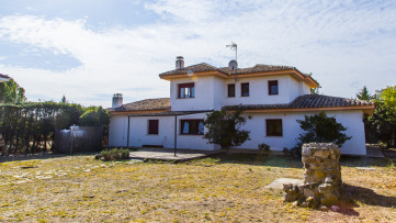 Villa house in Villanueva de La Cañada - Gilmar