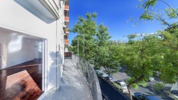 Espectacular Piso Reformado Con Terraza En Rosales - Gilmar
