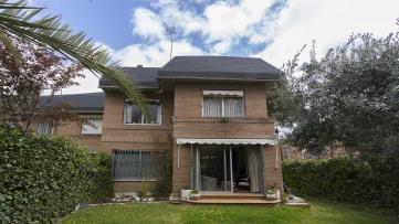 Terraced house in Alameda de Osuna - Gilmar