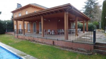 Chalet Independiente en Torr. Estación - Gilmar