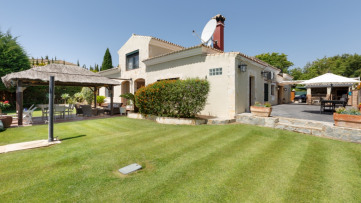 Substantial family home in Sotogrande Alto - Gilmar