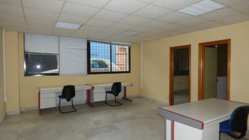 Estupenda Oficina En Poligono Pisa - Gilmar