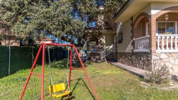 Independiente en Urbanización Valle de los Rosales - Gilmar