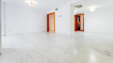 Magnífico piso de 4 dormitorios en San Pascual - Gilmar