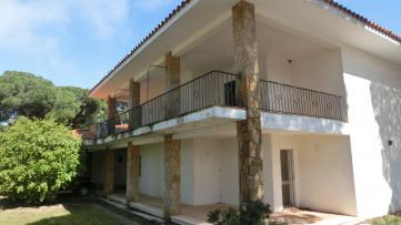 Chalet Independiente en Vistahermosa para refomar - Gilmar