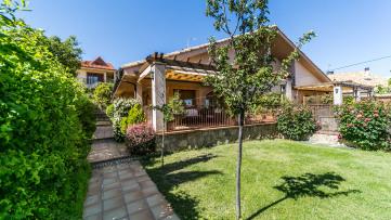 Semidetached house house in San Lorenzo de El E(…) - Gilmar