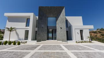 Nueva y moderna villa en venta en Marbella - Gilmar