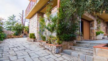 Chalet (3 viviendas) en Collado Mediano - Gilmar