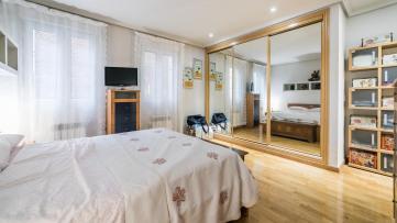 Fantástico Piso De 2 Habitaciones En Trafalgar - Gilmar