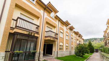 PISO en urbanización con piscina en Moralzarzal - Gilmar