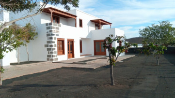 Chalet Independiente en Costa Teguise - Gilmar
