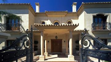 Lujosa Villa En Urbanización Zaudín Golf - Gilmar
