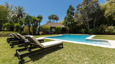 Bungalow with huge garden in Guadalmina - Gilmar