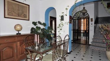Casa Unifamiliar En El Centro - Gilmar