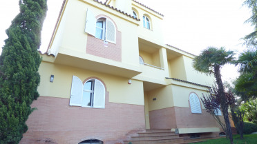 Villa house in Mairena de Aljarafe - Gilmar
