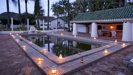 Authentic and unique estate in Estepona - Gilmar