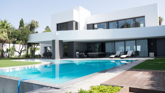 Villa in front line beach - Gilmar