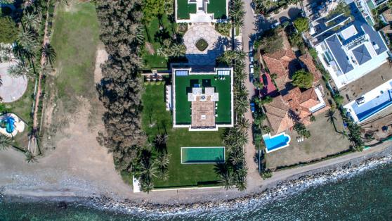 Impresionante chalet de lujo a pie de playa - Gilmar