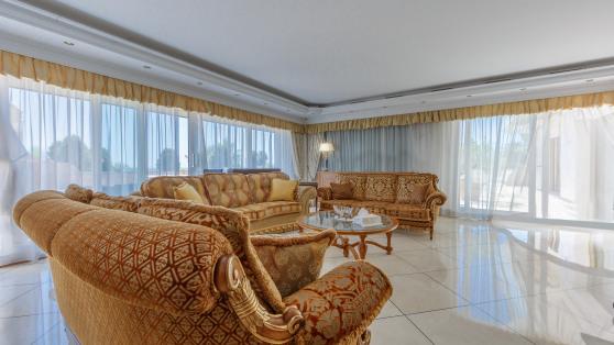 Apartamento de 6 dormitorios en Gray D´Albion - Gilmar