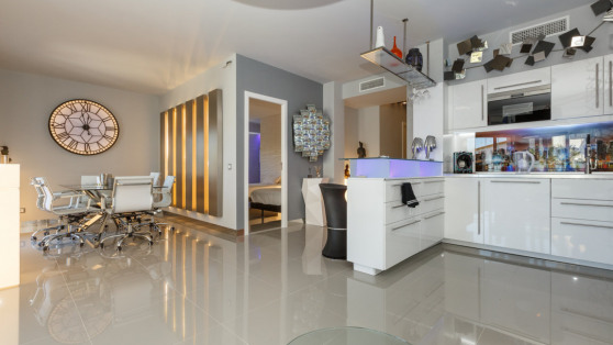 Luxurious apartment in the heart of Puerto Banus for sale - Gilmar_