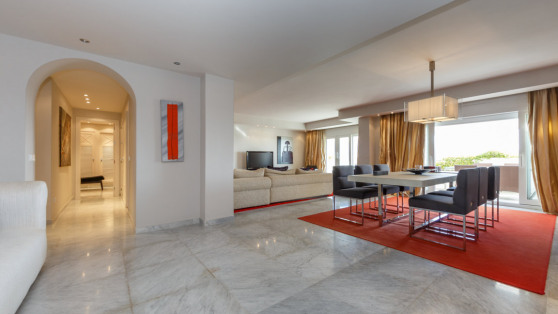 Luxury penthouse with views Playas del Duque for rent - Gilmar_